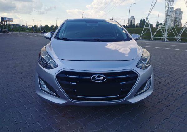 - фото - https://nevocars.com.ua/wp-content/uploads/2021/05/4-3-scaled.jpg